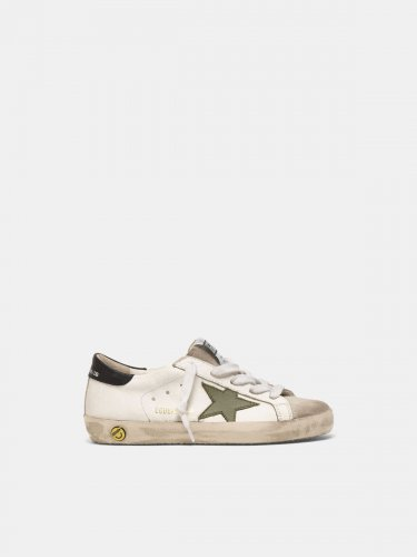 Super-Star sneakers with an army green star and black heel tab