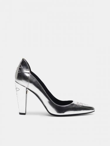 Silver mirror-finish Gabrielle pump with studs